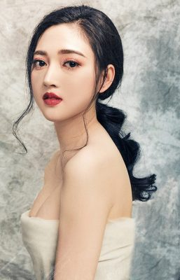 xu hướng trang điểm cô dâu 2019